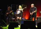 Glen Campbell, Turning Stone Showroom, 4-20-12 plays Dueling Banjos with his 2 kids Shannon & Ashley