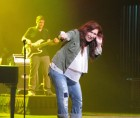 Jo Dee Messina, Turning Stone Showroom, 10-3-12 Crowd sings along!